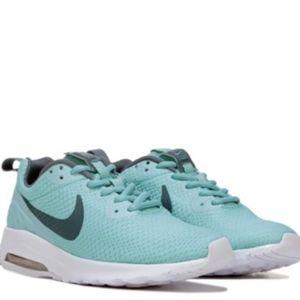 Nike Air Max Motion LW Sneaker Jade/Green / White